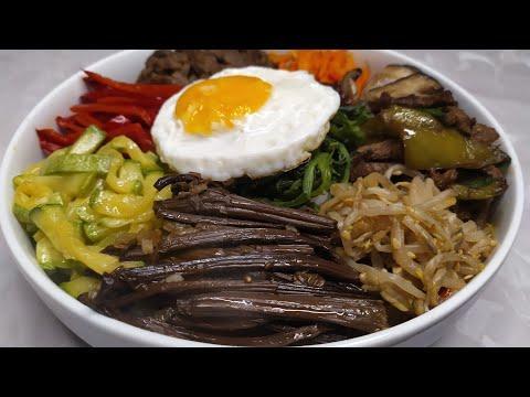 Пибимпап. ( 비빔밥) Отварной рис с закусками.