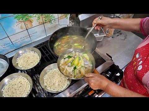 """""""남기면 혼나~!"""" 양많고 정많은 의정부 욕쟁이 뚱보할매 산더미 칼국수, 비빔냉면, 얼큰 수제비 Korean noodles, korean street food"""