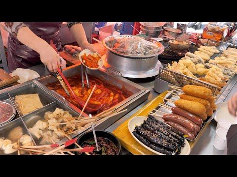 """""""포장마차 하나로 두 아들 먹여 살렸어요"""" 1998년에 시작한 부산 원조 떡볶이, 튀김, 순대, DK분식 / Tteokbokki, Sundae - Korean Street Food"""
