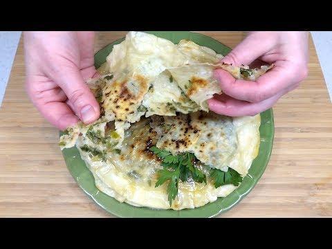 Домашний индийский лаваш Чапати с начинкой на сковороде. Домашние Лепешки с сыром и зеленью.